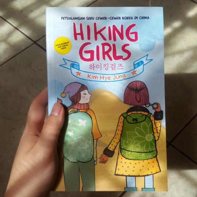 novel Hiking Girls