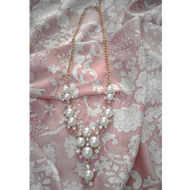 Pearl Necklace - White