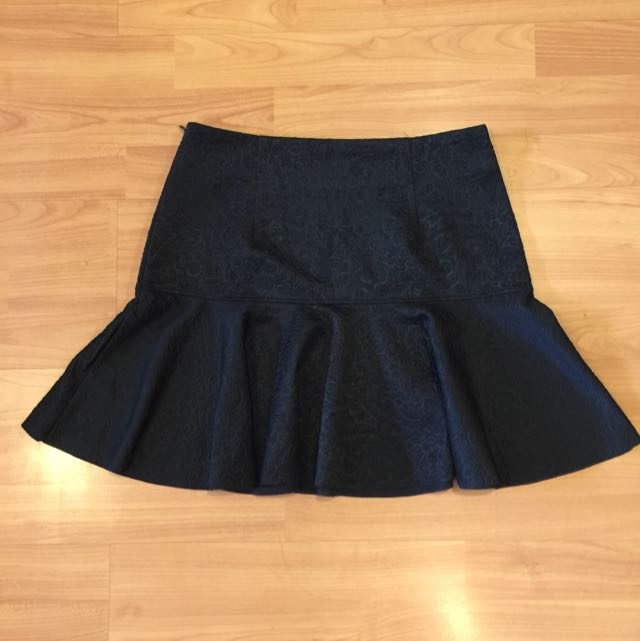 REPRICE Leaf Mini Black Skirt