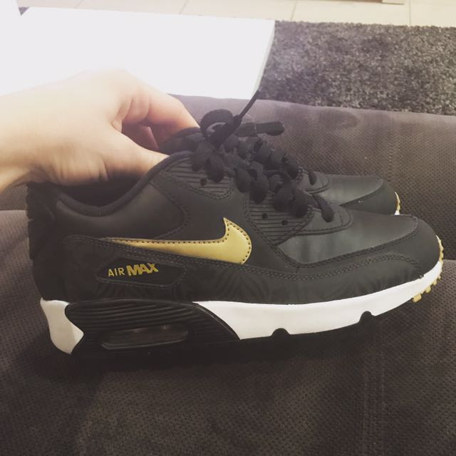 Near New Nike Air Max