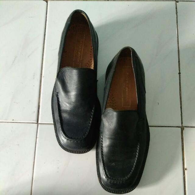 Sepatu Pantofel Andre Valentino