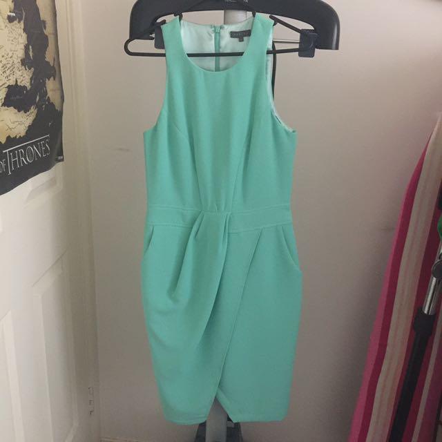 SHEIKE Light Green Mini Dress Size 8