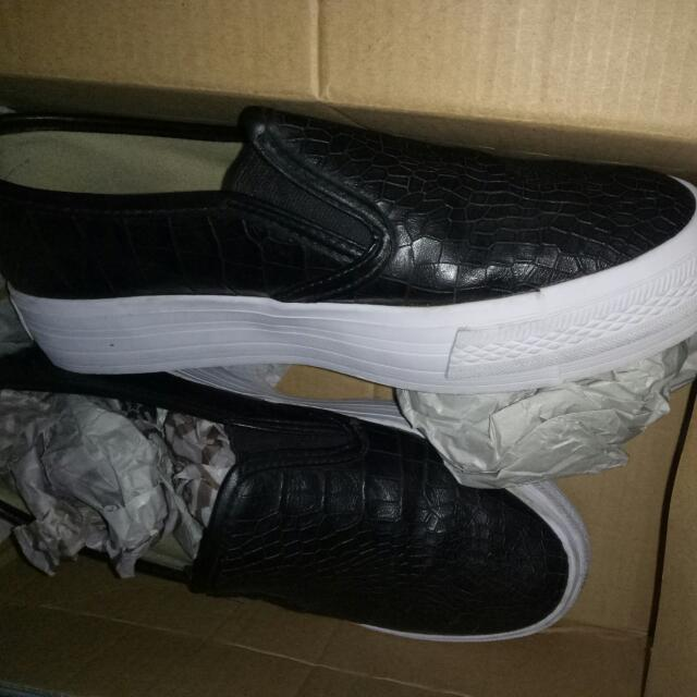 Reprice! Slip On North Star Hitam