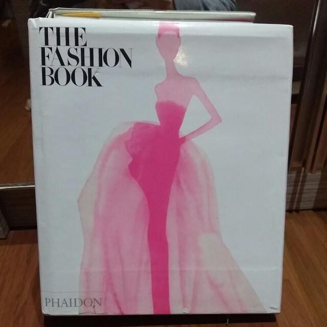 REPRICED : THE FASHION BOOK