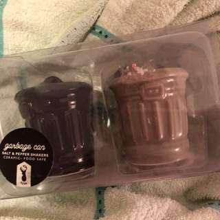 BRAND NEW Typo Salt And Pepper Novelty Shaker