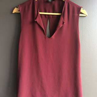Open Back Sleeveless Burgundy Top