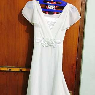 Caroline Kosasih White Dress WAS Idr 550.000
