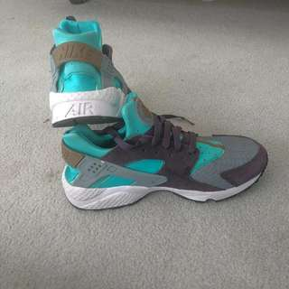 Blue Women's Nike Airs Size 10