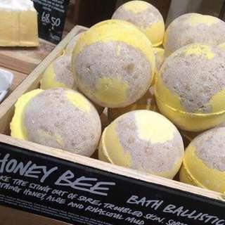 Honey Bee Bath Bomb