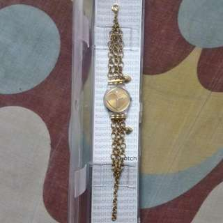 #FreePostage Authentic Swatch Golden Curl