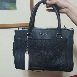 Authentic Calvin Klein Sadie Center Zip Satchel Carry-all Shoulder Bag