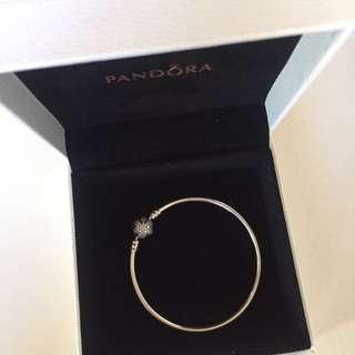 Pandora Bangle Bracelet (Snowflake Version)