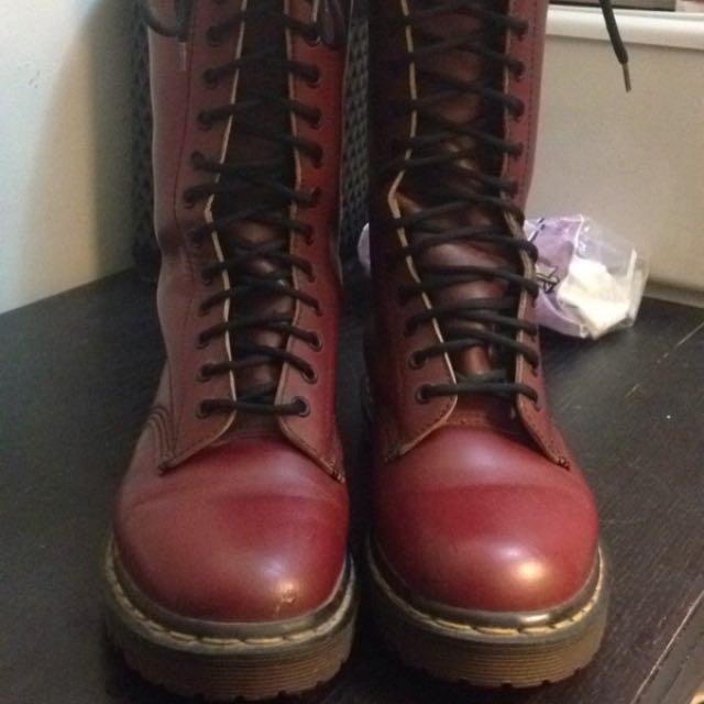 正版酒紅14孔馬汀大夫靴