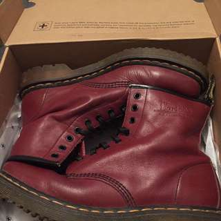 DR MARTENS MAROON BOOTS SIZE US 11