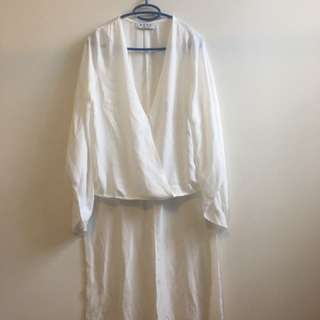 White Bell Sleeve Plunge Neck Sheer Mullet Top - Size 10