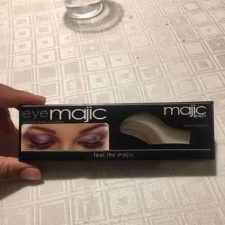 Free EyeMajic Eyeshadow Sticker