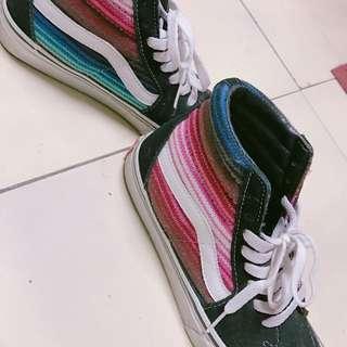 Vans中筒鞋