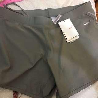 Nike 運動短褲