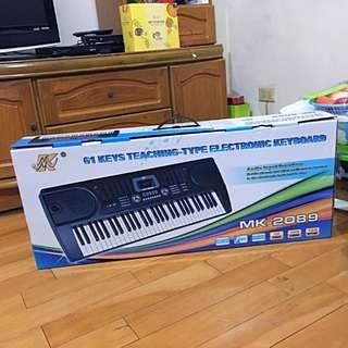 全新未拆封電子琴