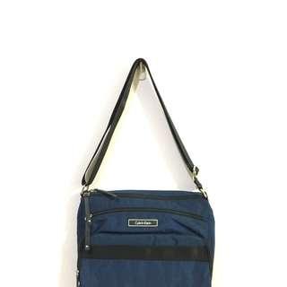 Ck側背包