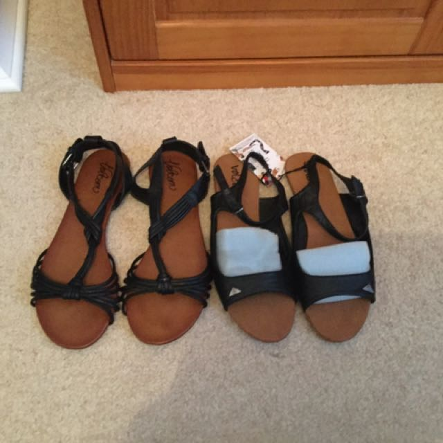 2x Pairs Volcolm Sandals Size 8 & 9 Black Tan
