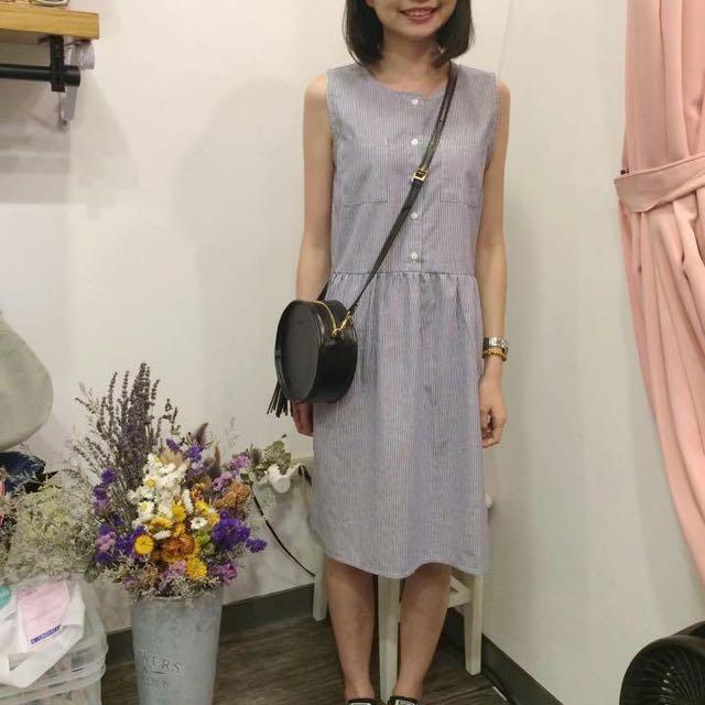 正韓細直線顯瘦洋裝