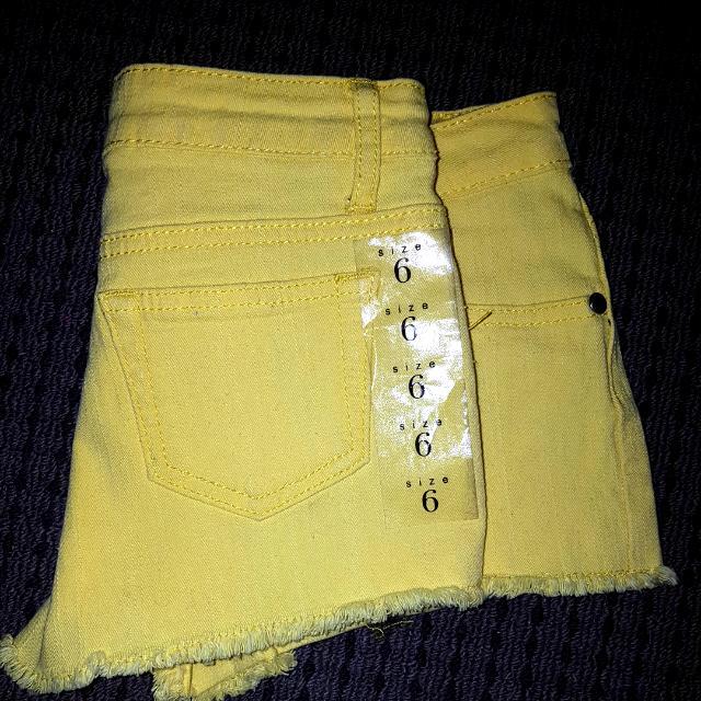 Bnwt Yellow Ice Shorts Size 6