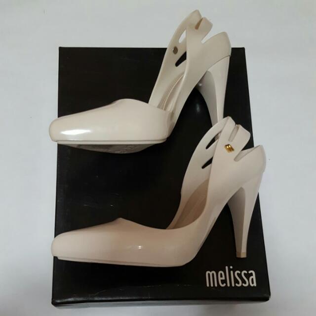 bec9afd1d56 Brand New Melissa Classic Heel AD In Beige, US Size 5