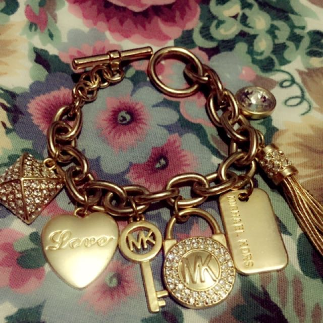 Class A MK Bracelet with charms (Matte Gold)