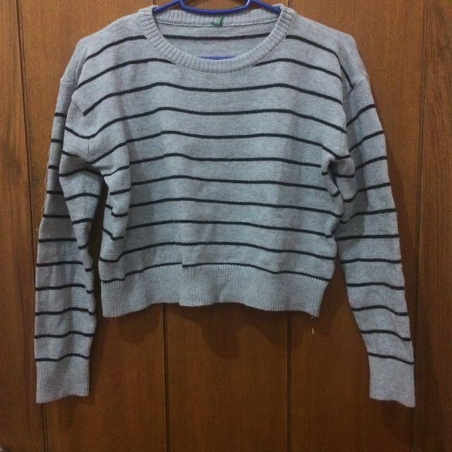 Crop Sweatshirt/Sweater