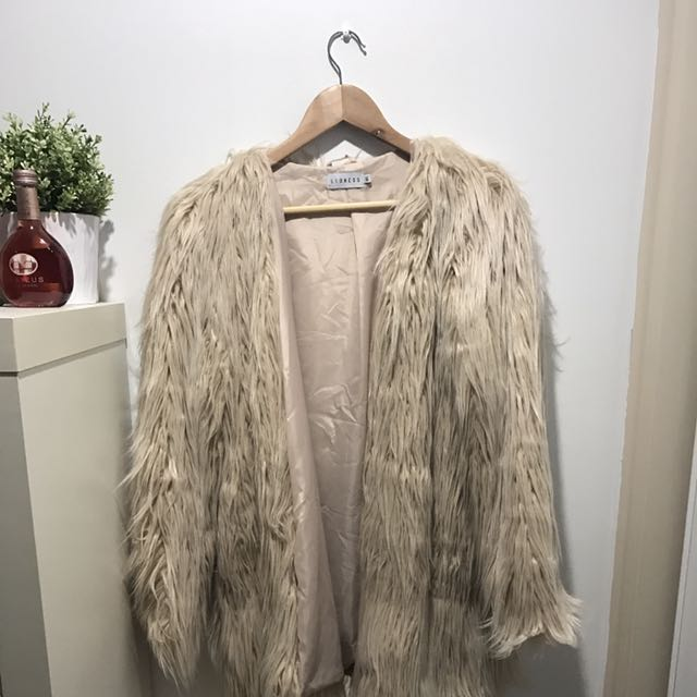 FAUX FUR JACKET • BLUSH