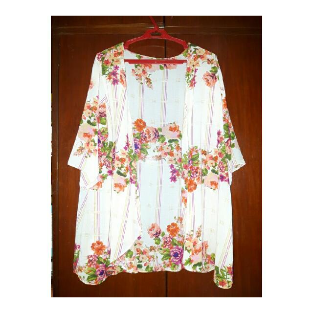 Floral kimono/ Cover UP
