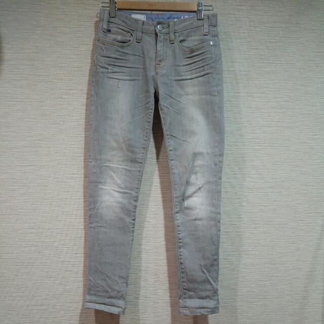 Gap Skinny 刷舊灰色牛仔褲
