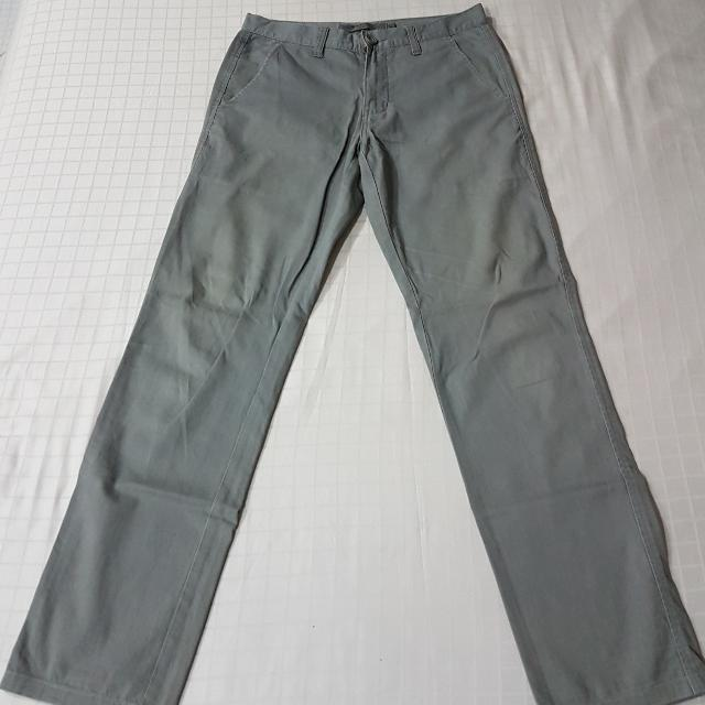 Giordano Chino Low Rise Slim Tapered Size 30