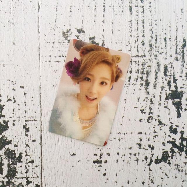 Girls' Generation Taeyeon Photocard