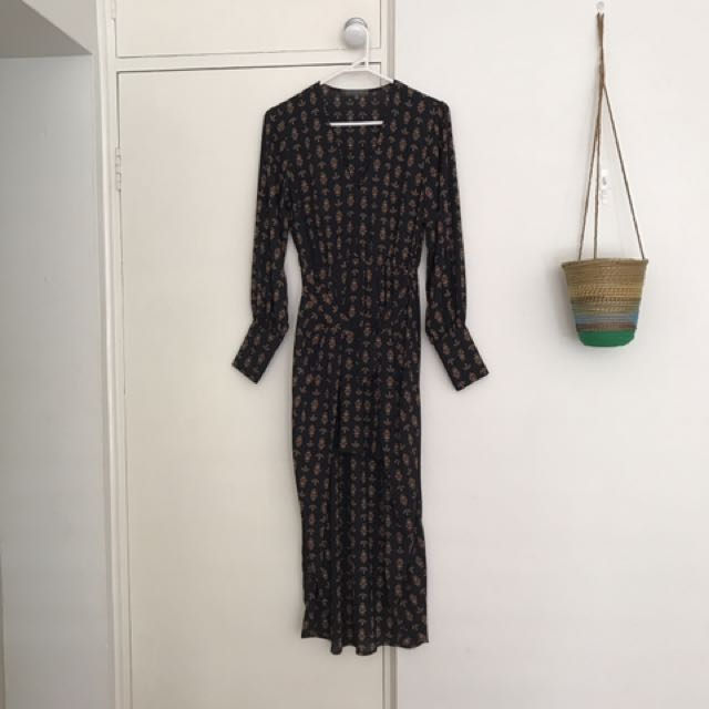 PRICE DROP! Gorgeous Sheike Dress Size 6