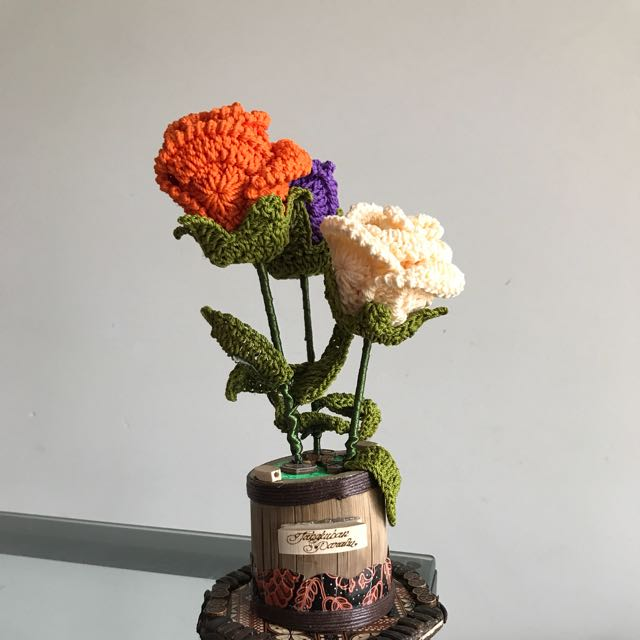 Handmade knit flowers made in Indonesia