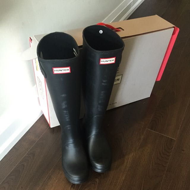 Hunter Boots Brand New US Size 8 Black