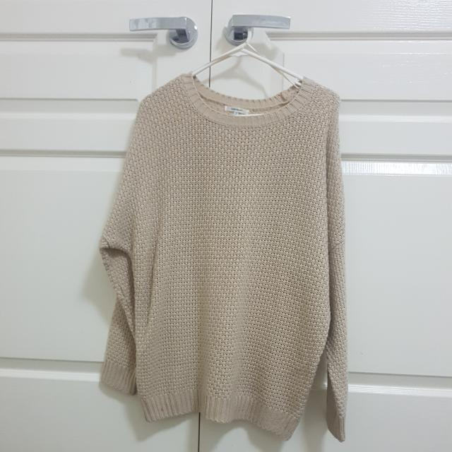 OVERSIZED NUDE BEIGE SWEATER