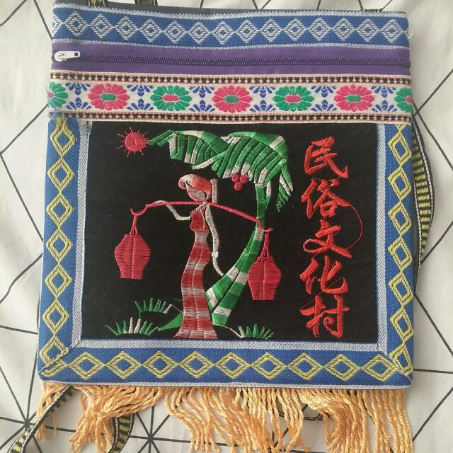 Pretty Chinese Shoulder Bag