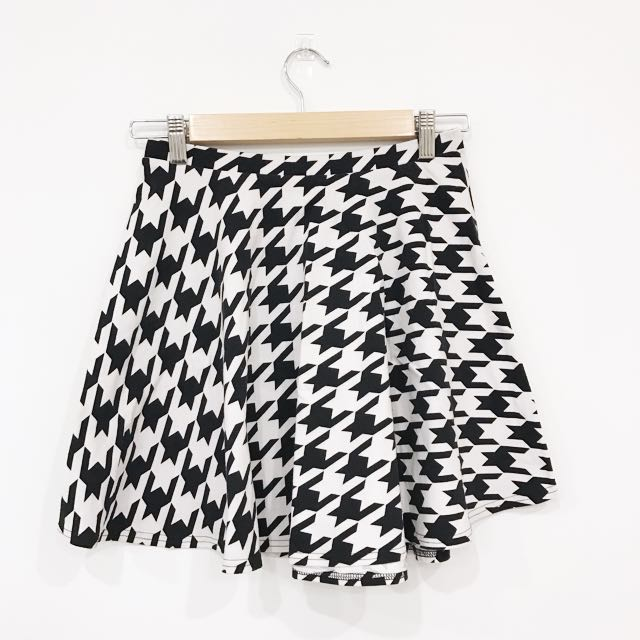 Supre Houndstooth Pattern Black And White Skirt
