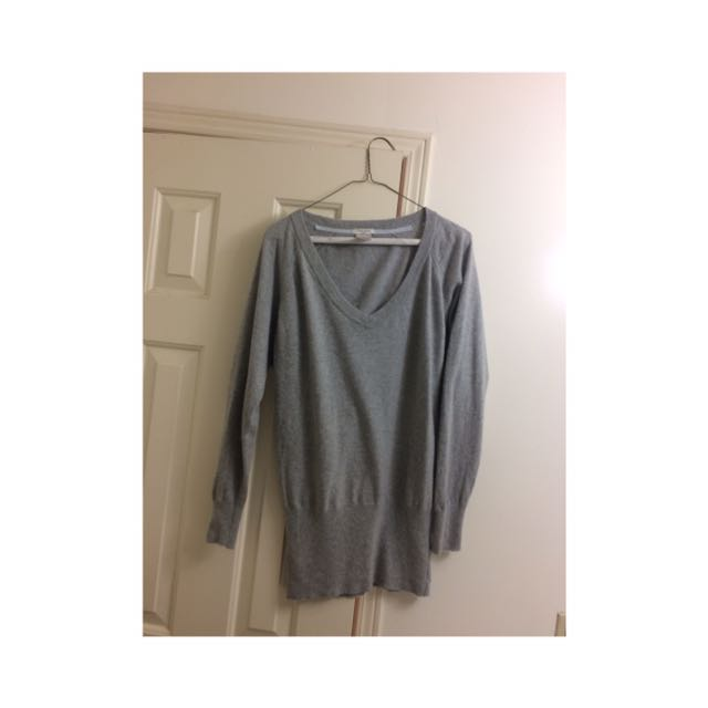 Talula Aritzia Grey Cashmere Sweater (small)