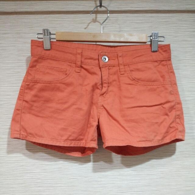 Uniqlo橘色綿短褲