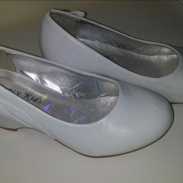White Heeled Girls Shoe s12