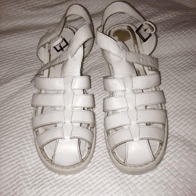 White Heeled Sandales
