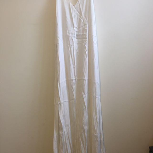 White Semi Formal Maxi dress - Size 10