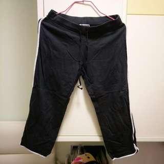 Giordano黑色七分運動褲