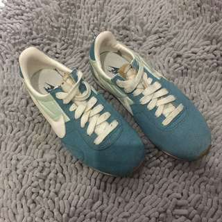 NIKE Shoes Size 5.5 Or 36