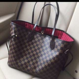 Louis Vuitton Neverfull Bag MM