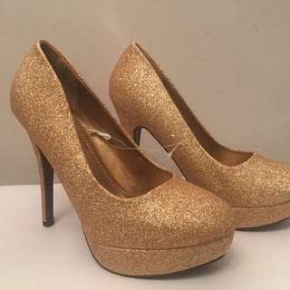 Gold Glittery Pumps Size 7